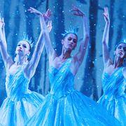 Dancer, Performing arts, Performance, Dance, Concert dance, Performance art, Event, Musical theatre, Choreography, Costume design,