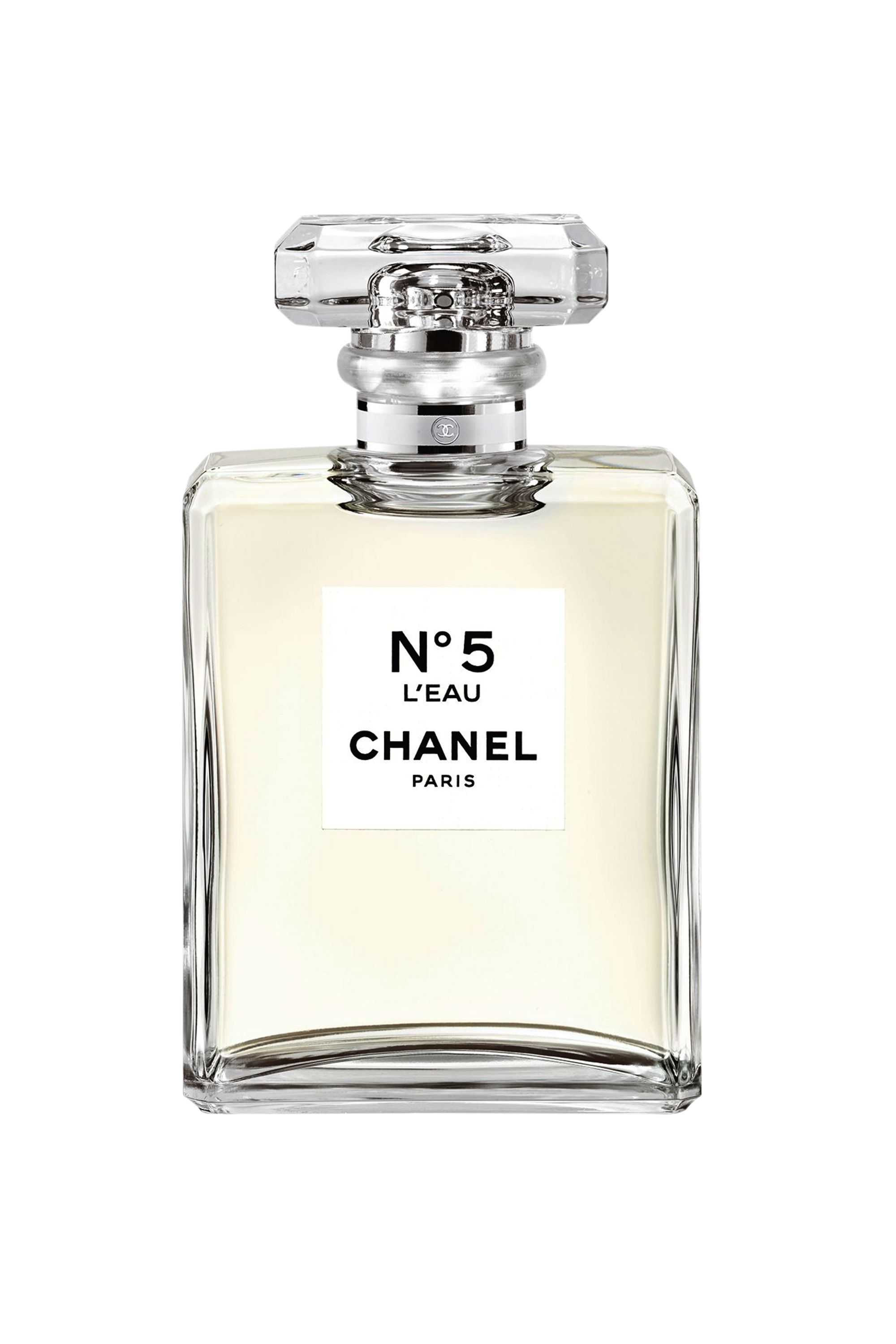 "<p>""It's fresh; it's vivid; it's floral and modern,"" says ELLE China's Daisy Cai of CHANEL Chanel No. 5 L'Eau, the brand's new interpretation of Coco's iconic spritz. ""It's a new No. 5 for the young generation.""<span class=""redactor-invisible-space"" data-verified=""redactor"" data-redactor-tag=""span"" data-redactor-class=""redactor-invisible-space""></span></p>"