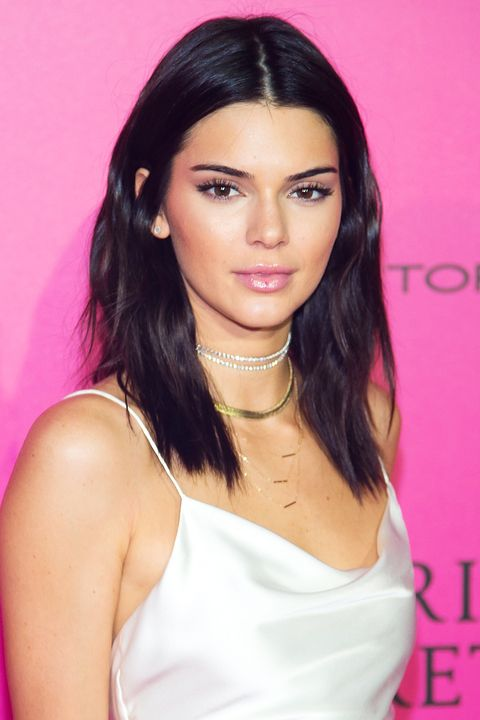 <p>Bella Hadid and Kendall Jenner gave even the most devoted blondes a reason to go dark in 2017. </p>