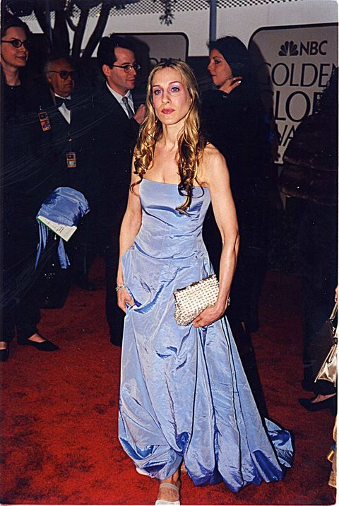<p>Is it just us or is Sarah Jessica Parker wearing the same dress you wore to your prom? We still love her though!</p>
