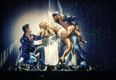 Stage, Drama, heater, Scene, Costume design, Dancer, Performance art, Acting, Headpiece, Dance,