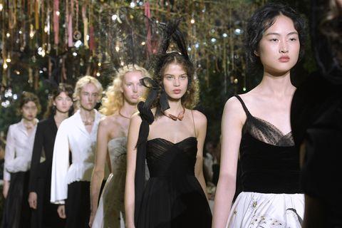 Dress, Formal wear, Style, Waist, Beauty, Strapless dress, Fashion, Day dress, Fashion model, One-piece garment,