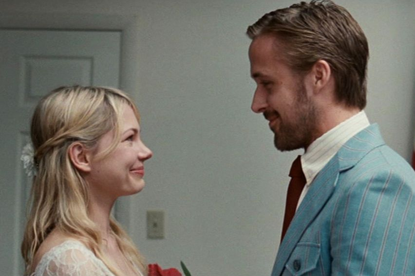 Blue Valentine (2010) Sorry to keep bogging you down with these not-so-happily-ever-after movies, but at least Blue Valentine doesn't keep up a façade that things end well for Dean (Ryan Gosling) and Cindy (Michelle Williams). Knowing their eventual end makes the flashbacks to their happier days even more devastating, and yes, heart-wrenchingly romantic.