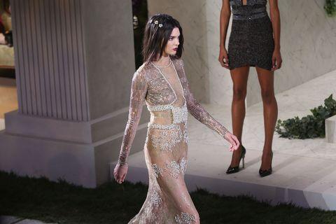 Textile, Beauty, Fashion, Trunk, Waist, Embellishment, Abdomen, One-piece garment, Lace, Fashion design,