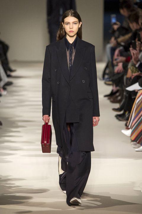 Clothing, Fashion show, Outerwear, Coat, Runway, Formal wear, Style, Fashion model, Blazer, Bag,