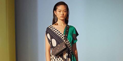 Jewellery, Dress, Style, Waist, Fashion show, Fashion, Day dress, Beauty, Youth, Fashion model,
