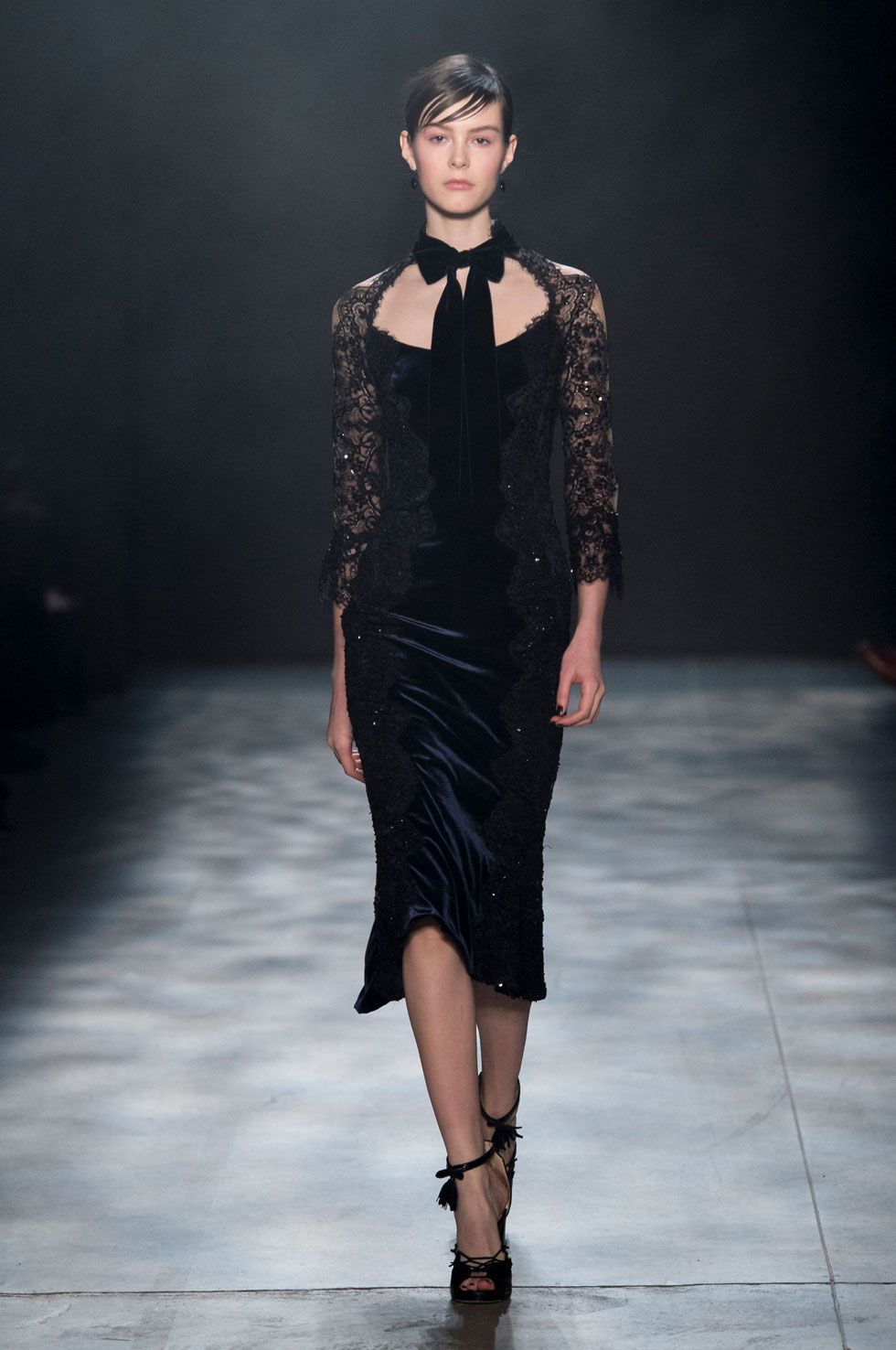 Looks From Marchesa Fall NYFW Show Marchesa Runway At - Mitsubishi academy
