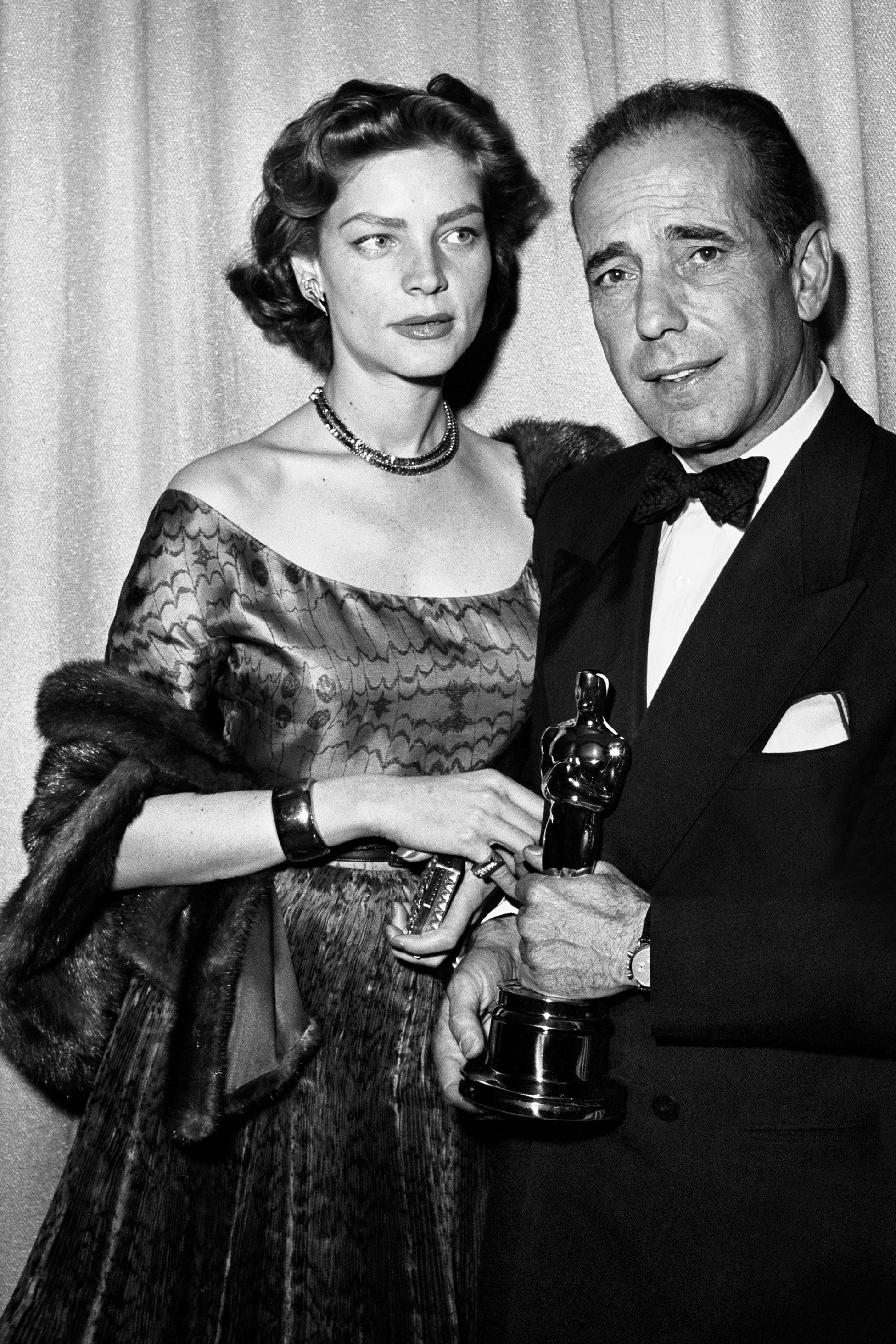 "<p>The '50s-era actress was known for her provocative glamour, and she didn't disappoint at the 24<sup data-redactor-tag=""sup"">th</sup> Annual Academy Awards, with her short soft waves and dewy complexion as the backdrop for her extravagant jewels and fur. </p>"