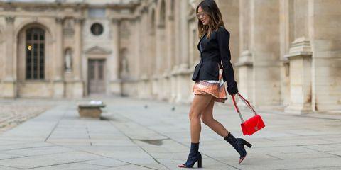 Street fashion, Photograph, Black, Clothing, Red, Fashion, Shoulder, Beauty, Footwear, Leg,
