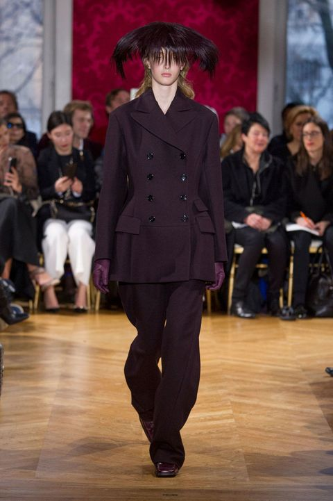 Trousers, Fashion show, Runway, Outerwear, Style, Fashion model, Waist, Fashion, Jacket, Street fashion,