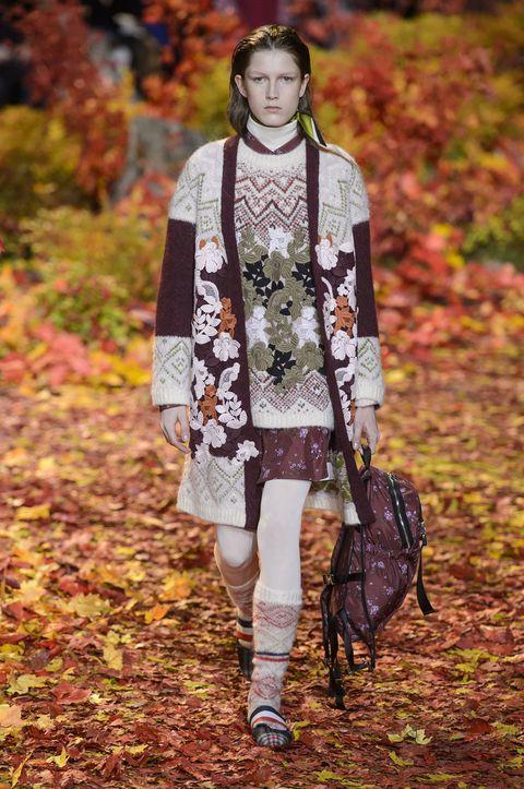 Fashion, Clothing, Autumn, Leaf, Fashion model, Street fashion, Beauty, Fashion design, Spring, Outerwear,