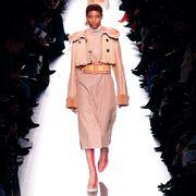 Fashion model, Fashion, Runway, Fashion show, Fashion design, Footwear, Outerwear, Haute couture, Coat, Jacket,