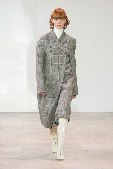Fashion, Clothing, Fashion show, Runway, Fashion model, Outerwear, Coat, Human, Neck, Shoulder,