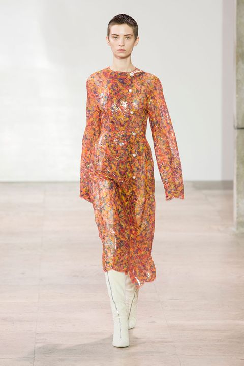 Fashion model, Fashion show, Fashion, Runway, Clothing, Orange, Fashion design, Public event, Dress, Haute couture,