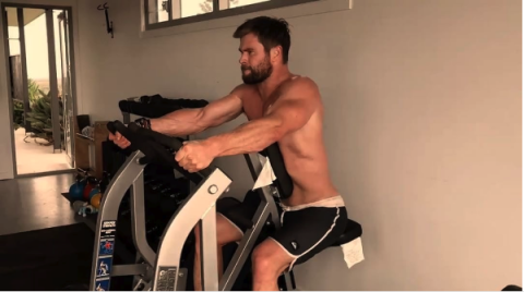 Room, Human leg, Human body, Shoulder, Elbow, Wrist, Exercise machine, Joint, Chest, Knee,