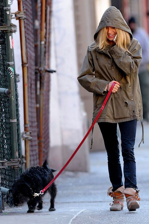 <p>When your mom is a celebrity and you probably knowthe paps are there, but you're more interested in sniffing things.</p>
