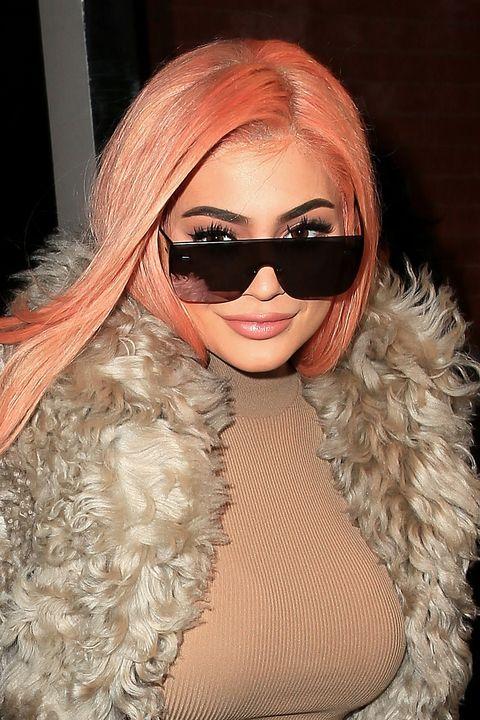 Eyewear, Hair, Sunglasses, Face, Lip, Cool, Beauty, Head, Glasses, Blond,