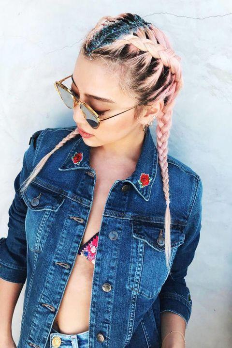 Hair, Denim, Jeans, Eyewear, Blue, Hairstyle, Cool, Beauty, Glasses, Textile,