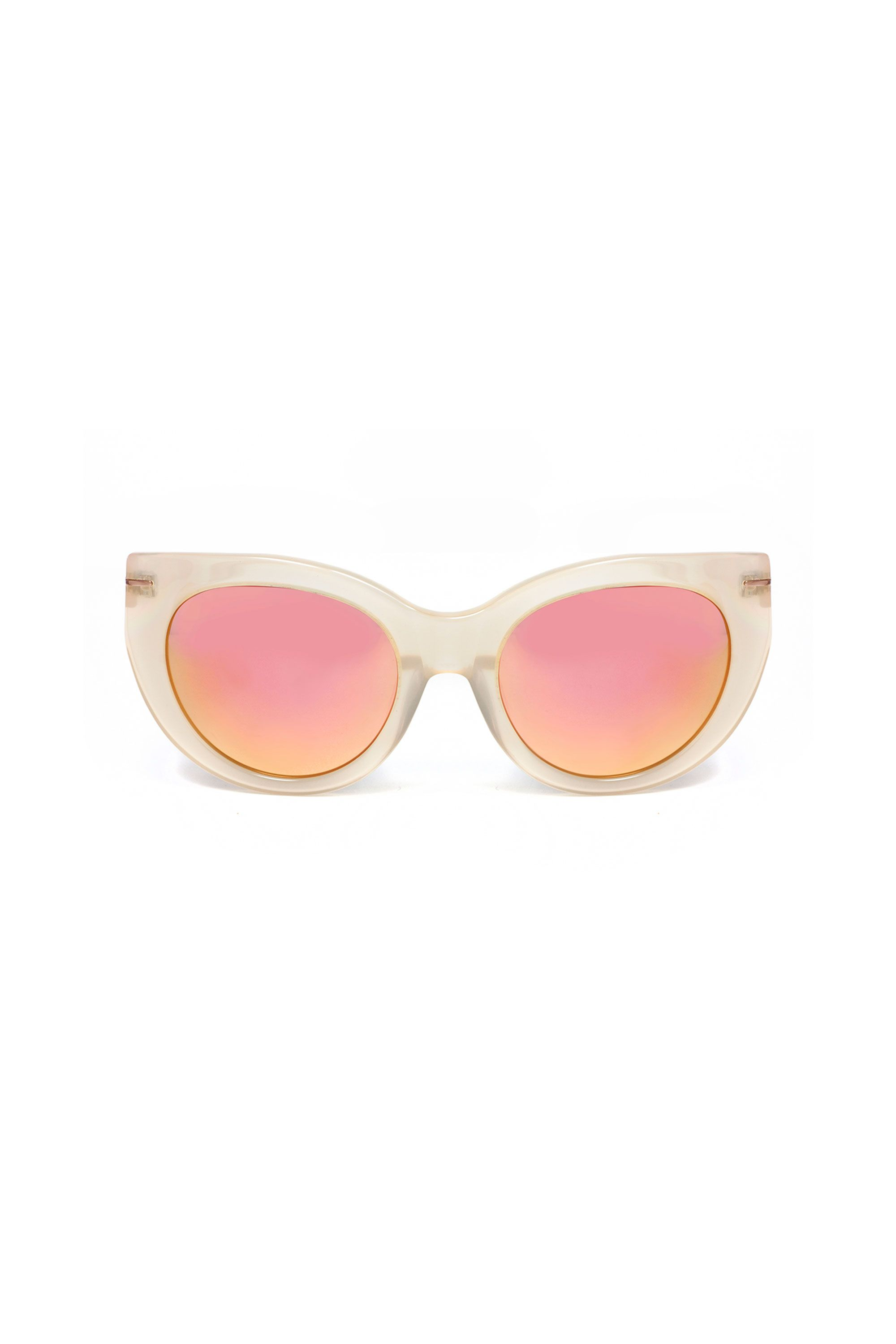 "<p>Foolish are those who forget sunnies for an outside ceremony. Pack yours or forever hold your peace.</p><p><em data-redactor-tag=""em"" data-verified=""redactor"">Hadid Eyewear Sunglasses, $149; </em><a href=""https://hadideyewear.com/collections/all/products/runway-nude"" target=""_blank"" data-tracking-id=""recirc-text-link""><em data-redactor-tag=""em"" data-verified=""redactor"">hadideyewear.com</em></a> </p>"