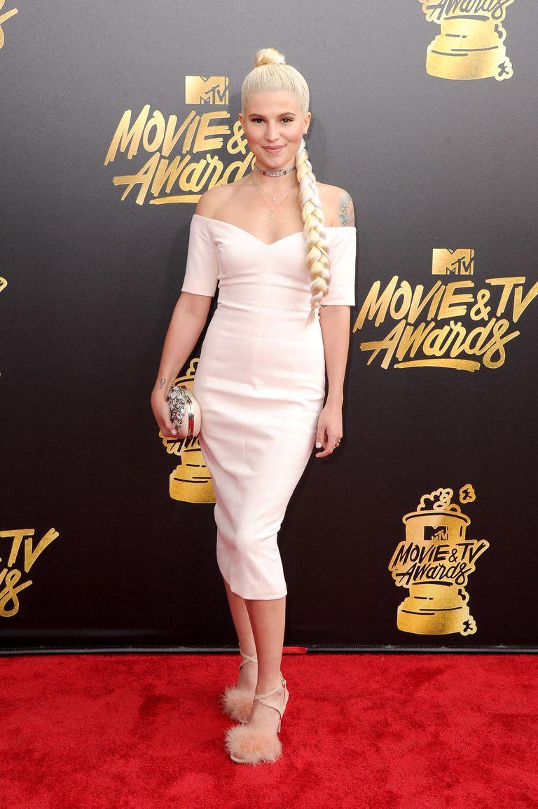 best mtv movie awards red carpet dresses of 2017