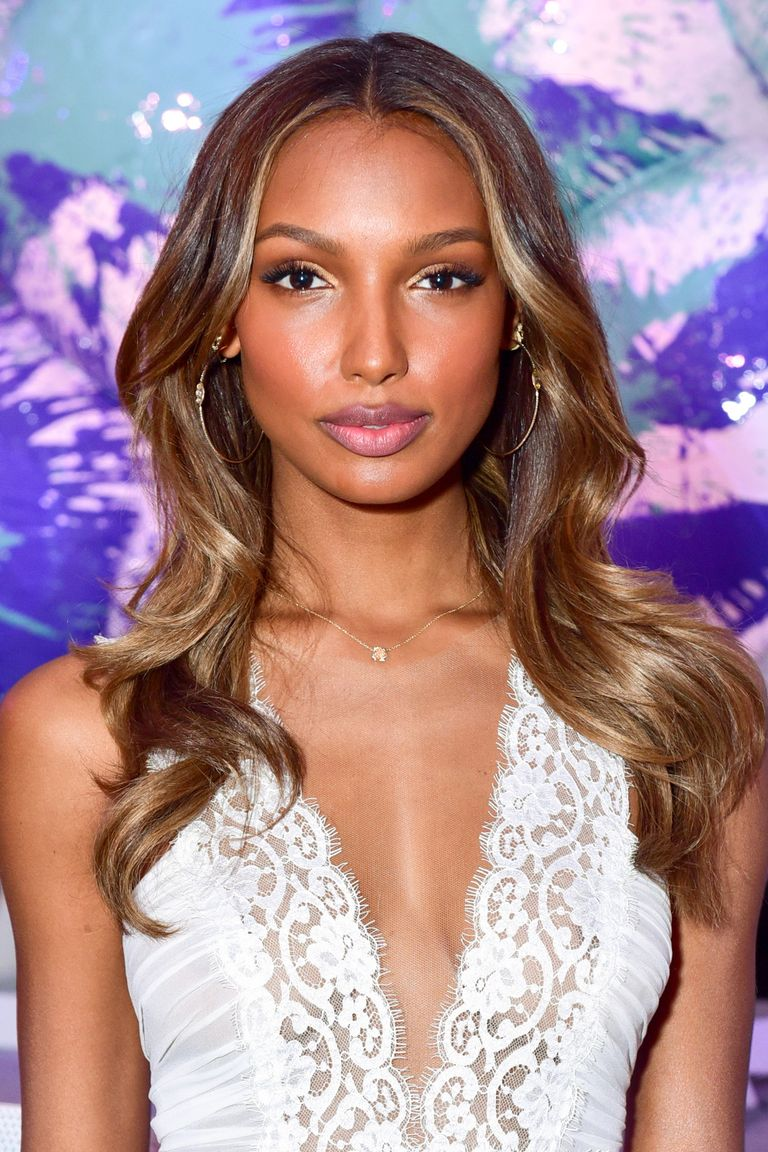 Best Caramel Hair Color 13 Celebs Wear The Most Flattering Hair Color