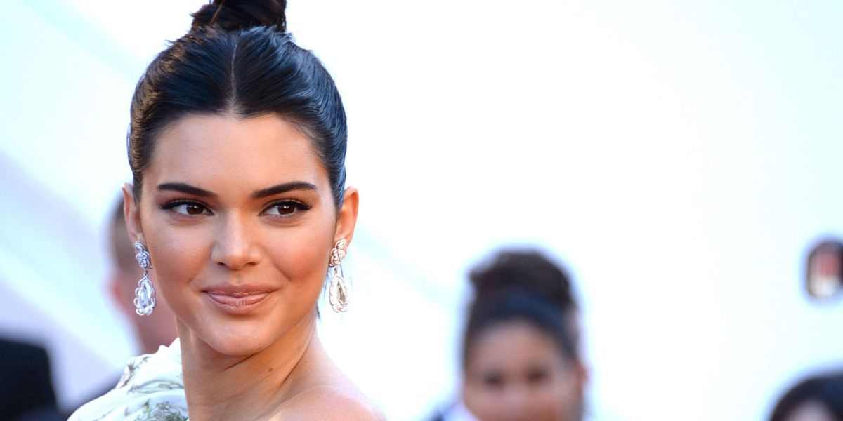 Kendall Jenner Is Flirting with a Wardrobe Malfunction in This Stunning Cannes Dress