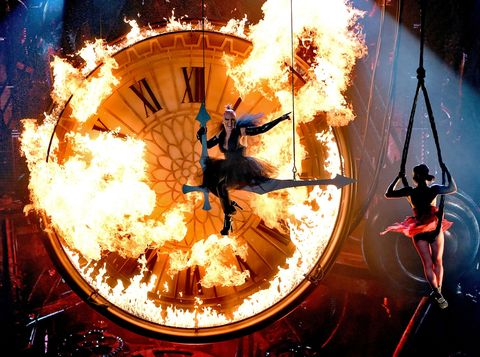 Stunt performer, Photography, Fictional character, Performance, Graphic design, Games, Heat,