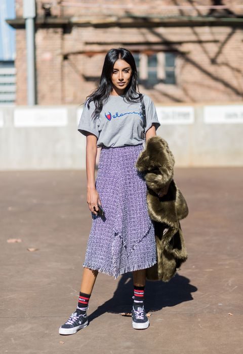 e18329ad70 10 Midi Skirt Styles for Spring 2016 - Ways to Wear a Midi Skirt