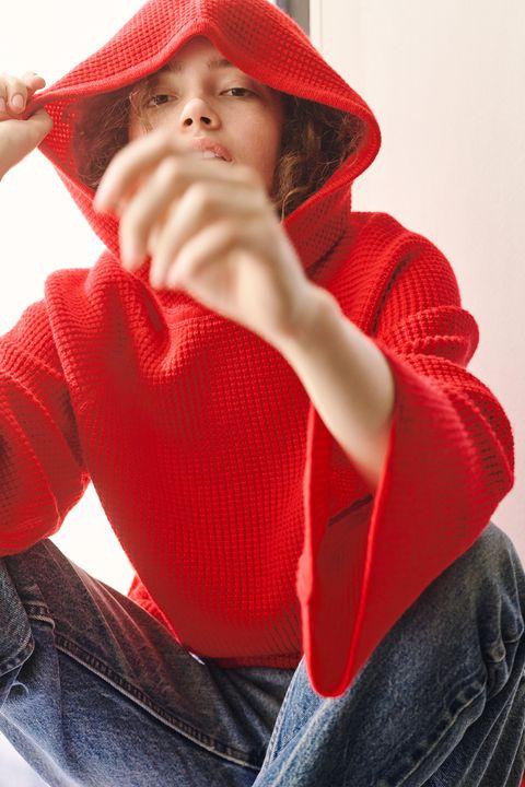 Lip, Sleeve, Textile, Red, Comfort, Headgear, Winter, Carmine, Denim, Maroon,