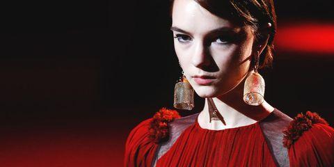Hair, Red, Beauty, Lip, Skin, Fashion, Fashion model, Jewellery, Fashion accessory, Ear,