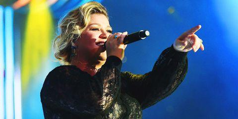 Kelly Clarkson Responds to Fat Shamer