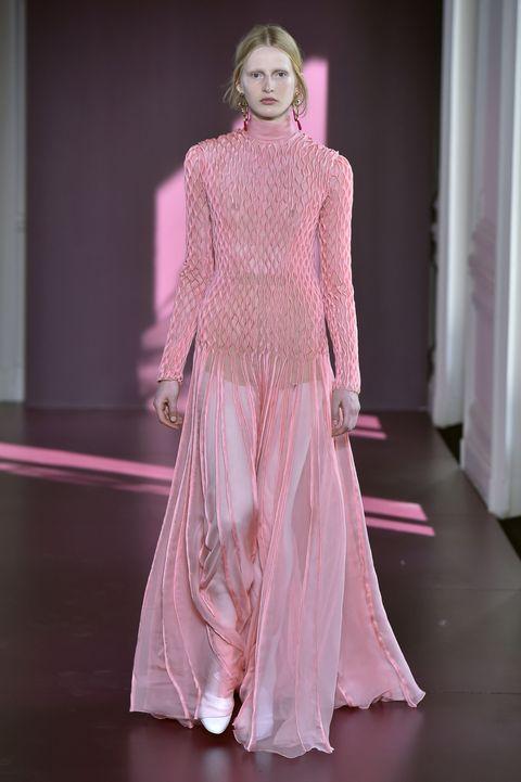 Fashion model, Fashion, Haute couture, Clothing, Fashion show, Dress, Pink, Runway, Fashion design, Gown,