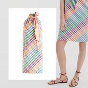 Sleeve, Pattern, Style, Fashion, Art, Aqua, Teal, Foot, Visual arts, Design,