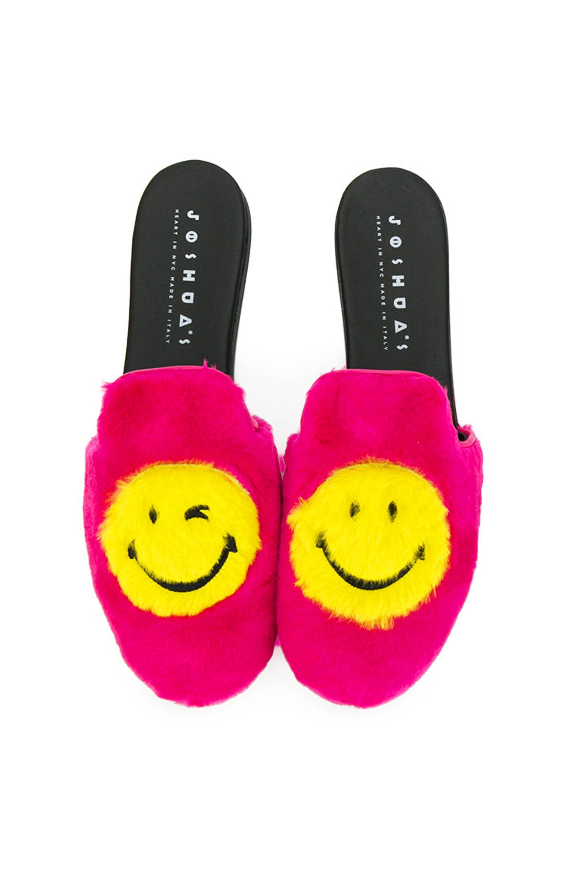 "<p>Joshua Sanders Smile Furry Mules, $330;<a href=""https://www.farfetch.com/shopping/women/joshua-sanders-smile-furry-mules-item-12204746.aspx?storeid=9306&from=1&ffref=lp_pic_39_7_"" target=""_blank"" data-tracking-id=""recirc-text-link"">farfetch.com</a><span class=""redactor-invisible-space"" data-verified=""redactor"" data-redactor-tag=""span"" data-redactor-class=""redactor-invisible-space""></span></p>"