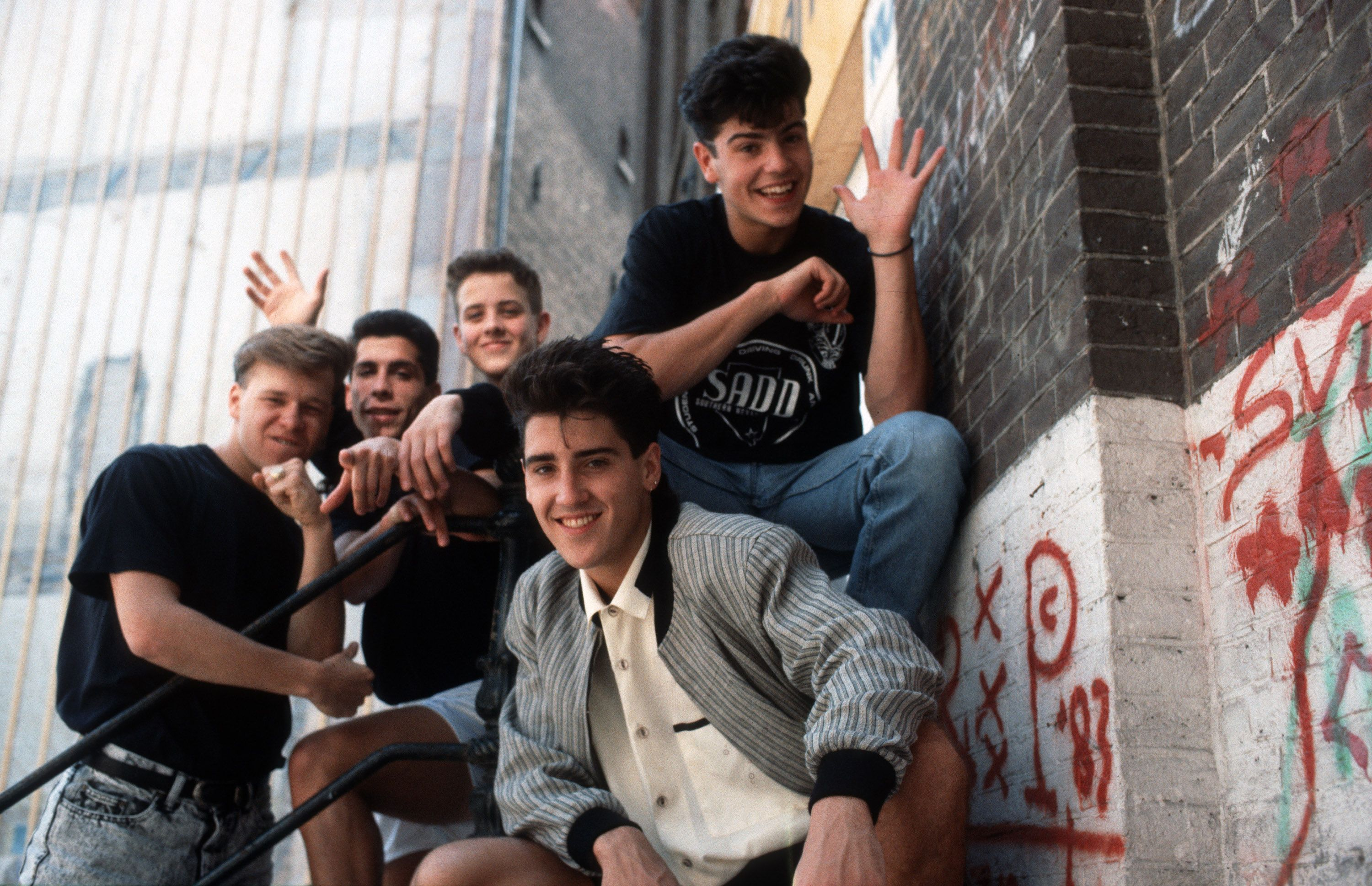 What It\'s Like to Go to a New Kids on the Block Concert as an Adult ...