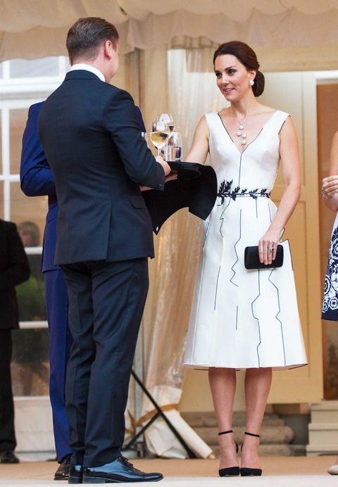 Kate Middleton Wears Gosia Baczynska Dress To Queen S Birthday Party Kate Middleton Poland
