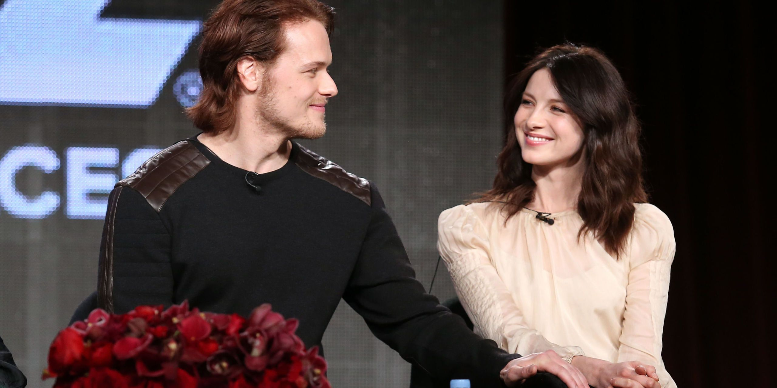Sam heughan dating his costar
