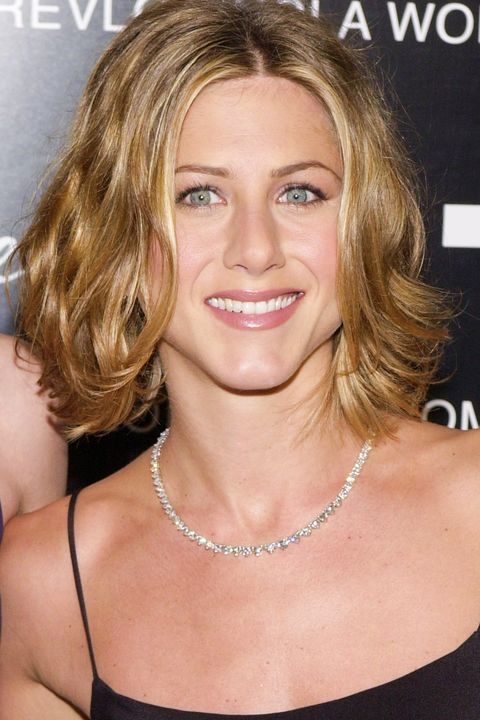 Jennifer Anistons Best Hairstyles Of All Time 40 Jennifer
