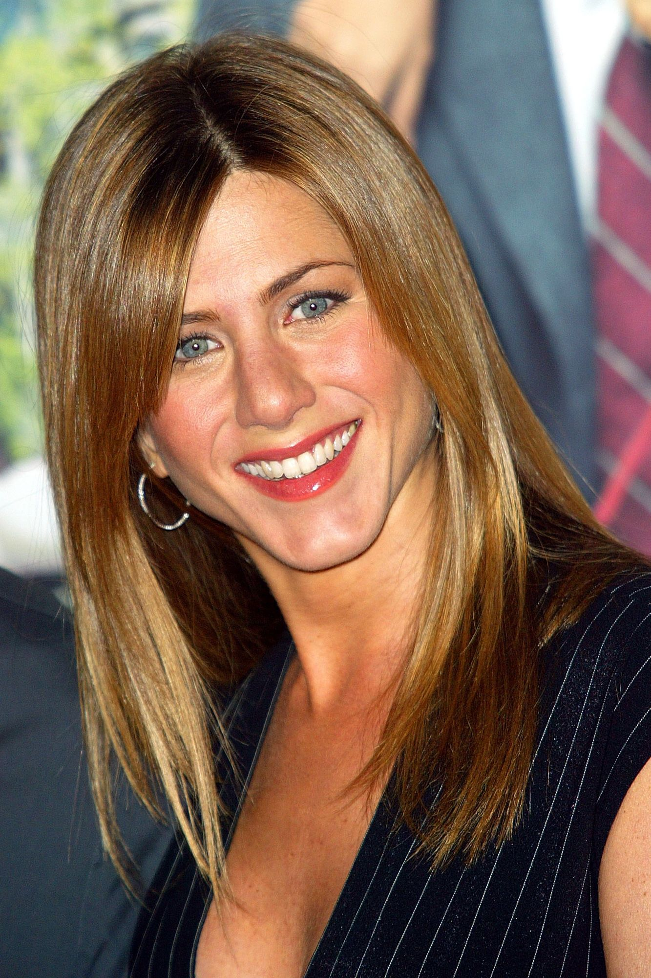 Jennifer Anistons Best Hairstyles Of All Time 40 Jennifer Aniston