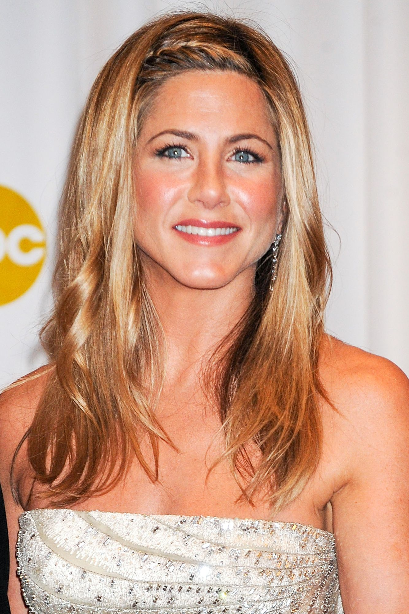 Jennifer Aniston\'s Best Hairstyles of All Time - 40 Jennifer Aniston ...