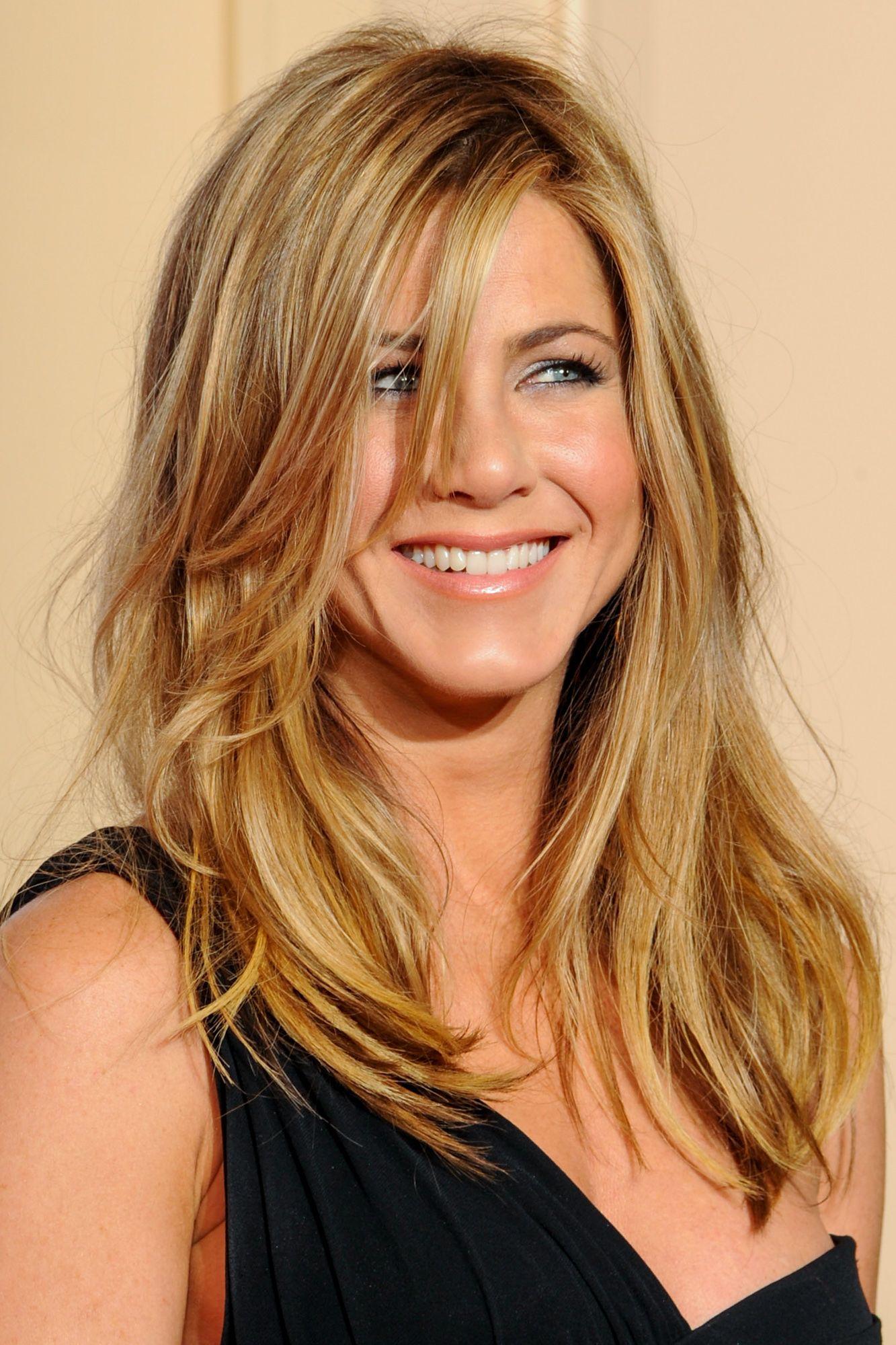 Jennifer Aniston\u0027s Best Hairstyles of All Time , 40 Jennifer