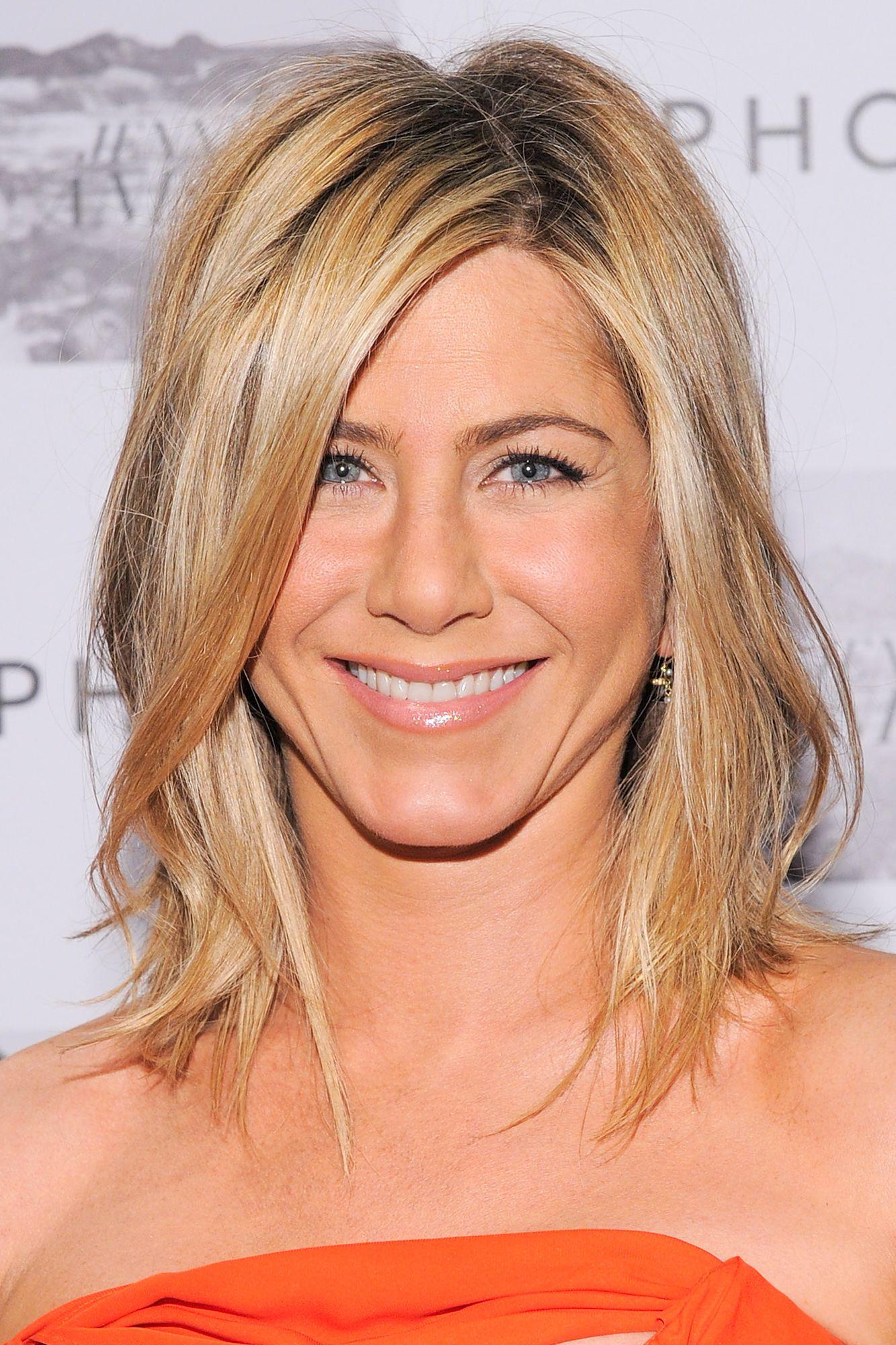Jennifer Aniston S Best Hairstyles Of All Time 40 Jennifer Aniston