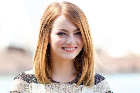 Hair, Face, Hairstyle, Blond, Skin, Eyebrow, Beauty, Lip, Head, Smile,