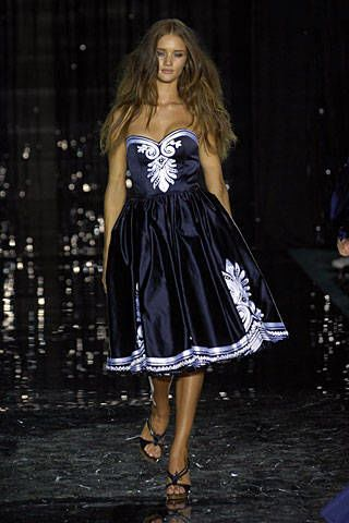 Julien Macdonald Spring 2007 Ready-to-wear Collections 0003