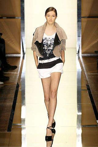 Gianfranco Ferre Spring 2007 Ready-to-wear Collections 0002