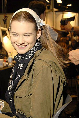 Max Mara Spring 2007 Ready-to-wear Backstage 0003