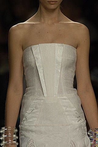 Byblos Spring 2007 Ready-to-wear Detail 0003
