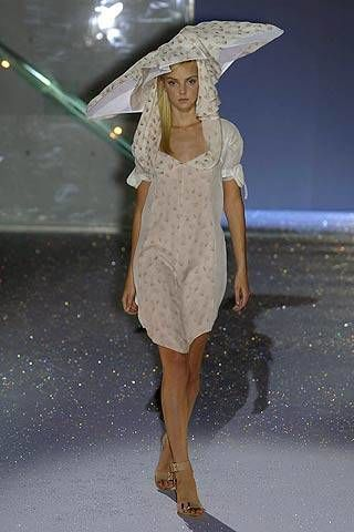 Hussein Chalayan Spring 2007 Ready-to-wear Collections 0002