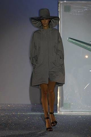 Hussein Chalayan Spring 2007 Ready-to-wear Collections 0003