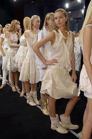 Leg, White, Style, Dress, Fashion, Beauty, Youth, Fashion model, Thigh, Light fixture,